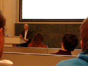 "Prof. Daan Frenkel during the lecture entitled ""Free Energy and Phase Equilibria"""